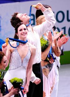 Tessa Virtue and Scott Moir 002